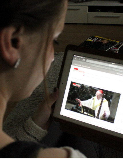 Melanie Schimanski schaut Domradio.de